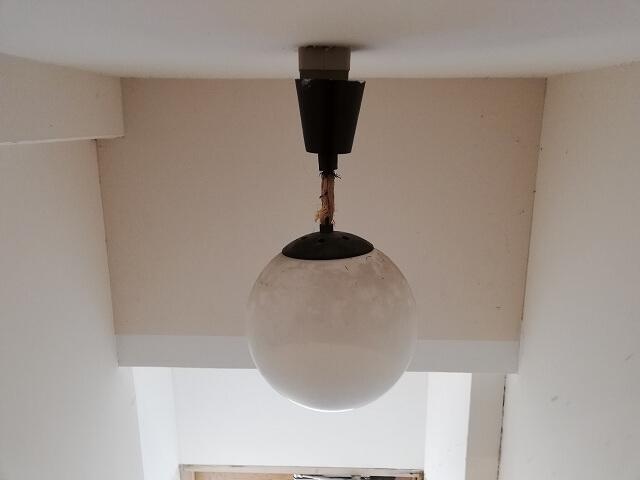共用階段照明が切れたので照明交換!明るくなりました!
