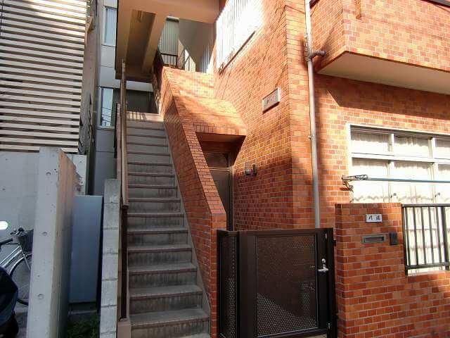 渋谷富ヶ谷、南東向きの2面採光角部屋の駅近賃貸マンション