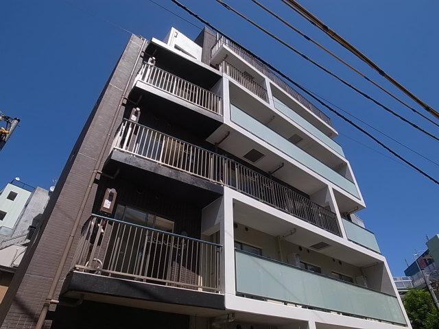 人気の渋谷代々木公園駅近、築浅賃貸マンション